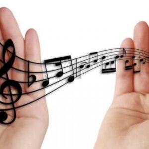 Ne znam da li sam prvo zavolela engleski jezik kao takav ili muziku na tom jeziku…